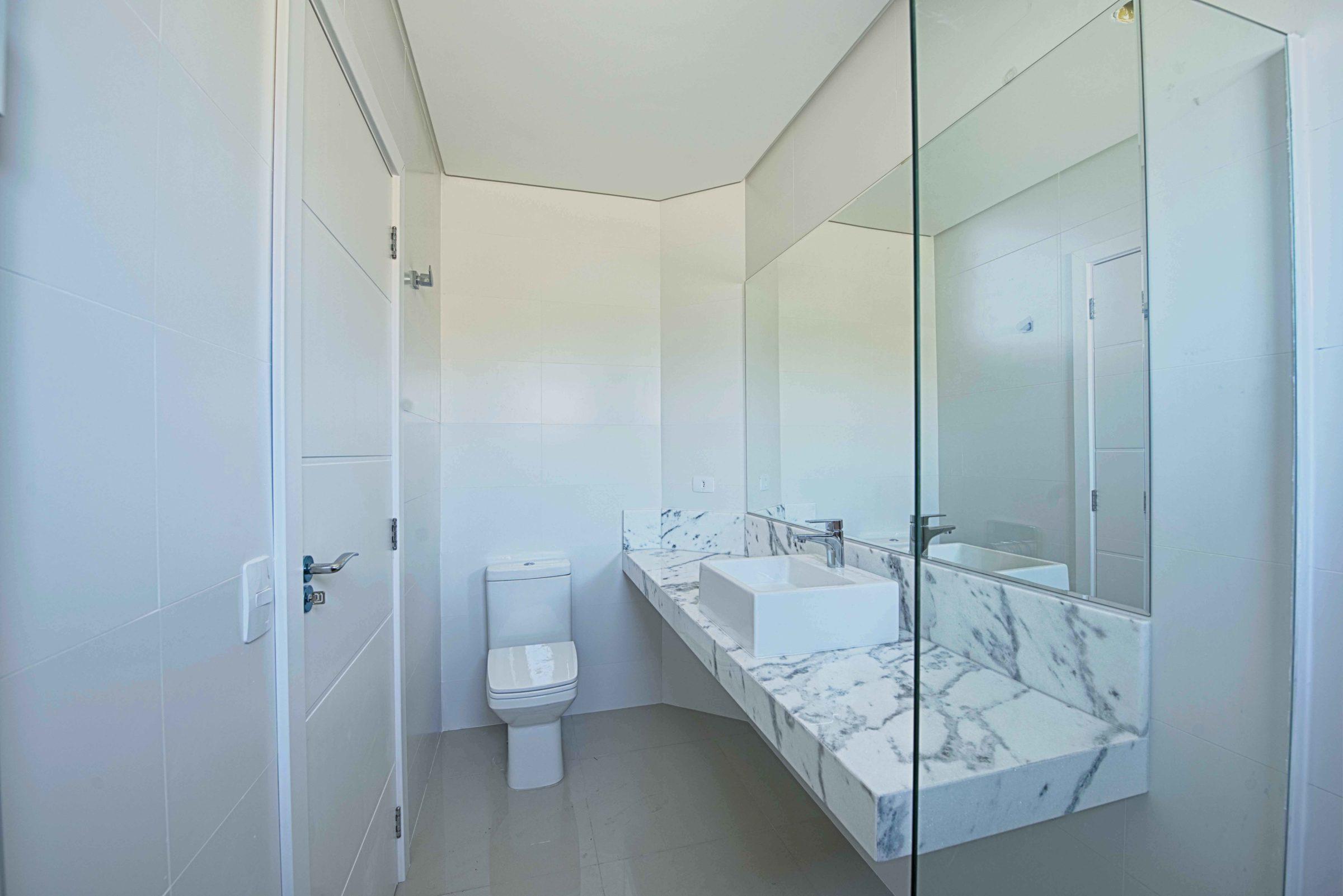 Fotos de Imóvel, Fotografia Imobiliaria interna banheiro wc