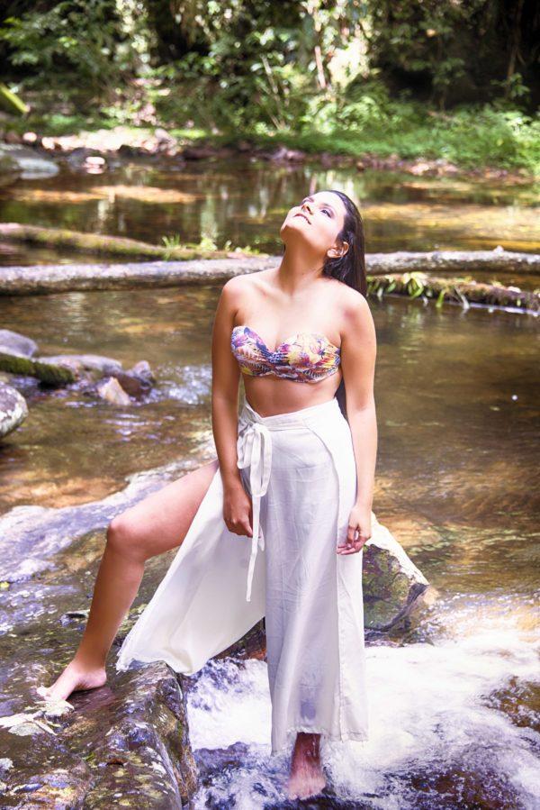 Portfolio Book - Book feminino - fotografia feminina - fotografia feminina na cachoeira - fotografia casual feminina -